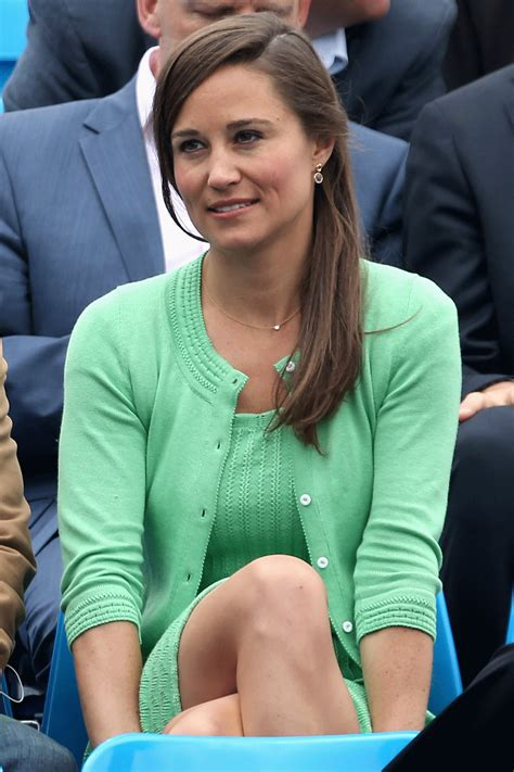 Pippa Middleton keeps things cool in mint green knitted