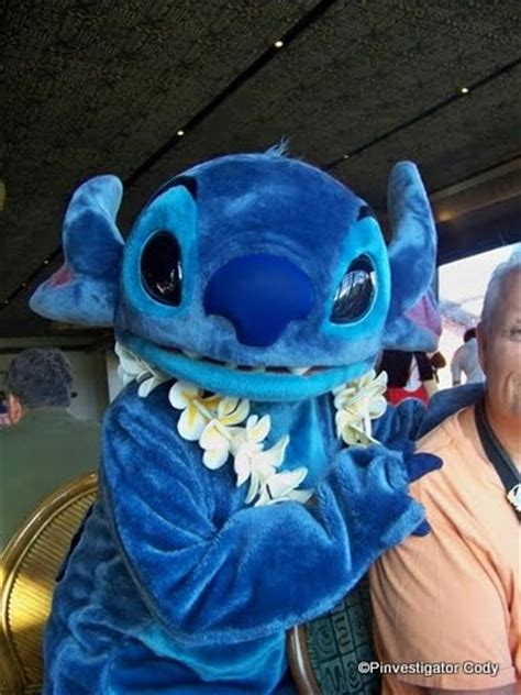 'Ohana Character Breakfast: Mickey and Friends | the