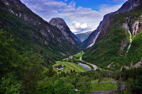 Norway - in Europe - Sightseeing and Landmarks - Thousand