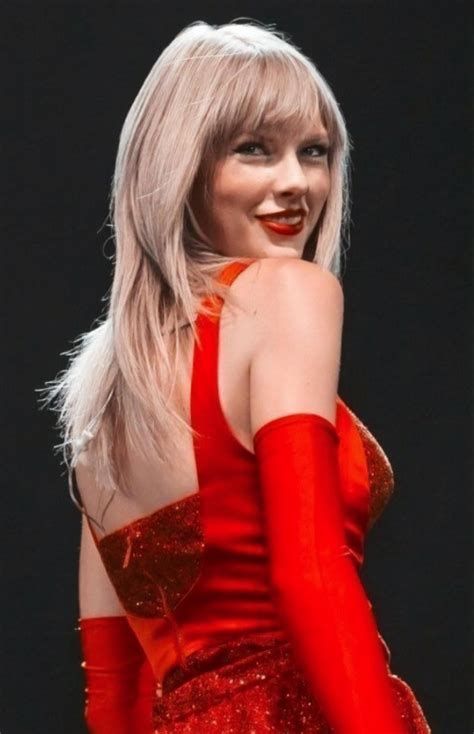 Sexy Red | Taylor Swift Photos | Taylor Swift Instagram
