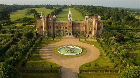 Treasure Houses of England - Explore ten of the most