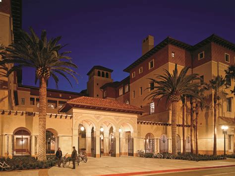 School of Cinematic Arts Complex | Completed in 2010, the