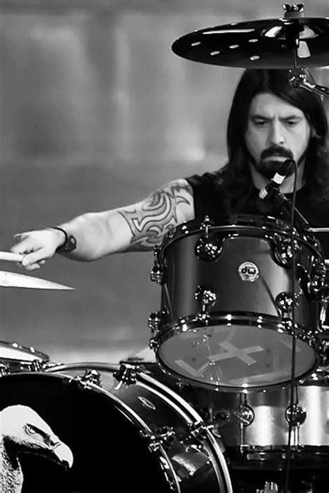 7 Unreal Facts About Dave Grohl & His Music Groups You'D