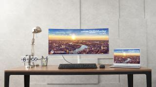 Samsung's 34-inch ultra-wide curved monitor boasts