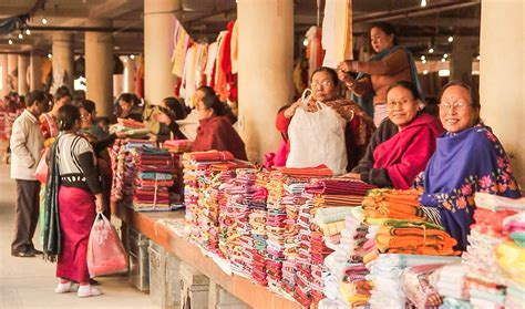 12 popular traditional markets in India that give a good