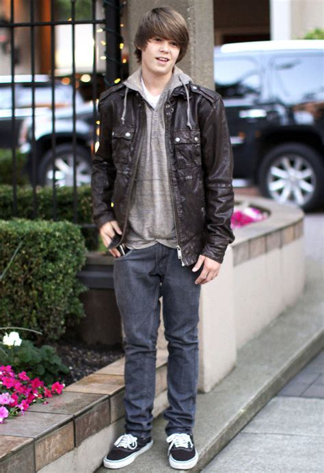 Colin Ford Age, Height, Girlfriend, Dating, Parents, Net