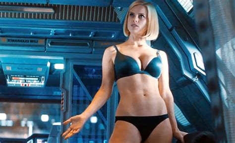 Alice Eve height, weight, age
