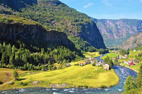 Norway in a nutshell, from fjords to mountaintops