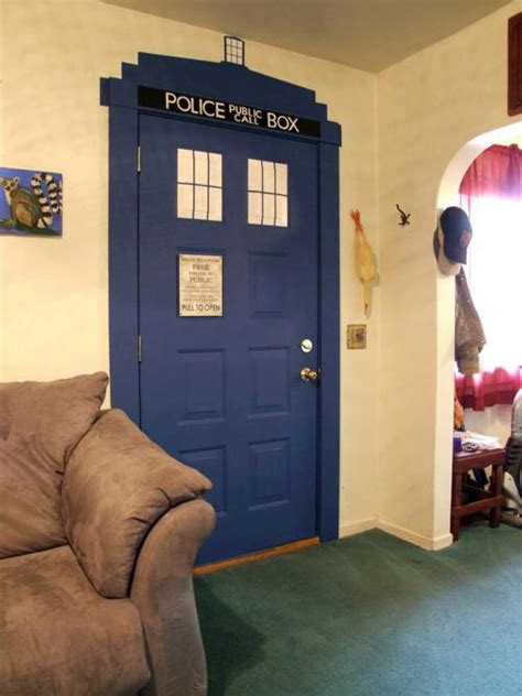 Doctor Who: Painted TARDIS Door | JPEGY - What the