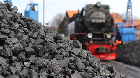Polish Miners Block Coal Trains in Protest Against Russian