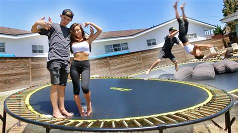 TEACHING MY GIRLFRIEND HOW TO BACKFLIP! - YouTube