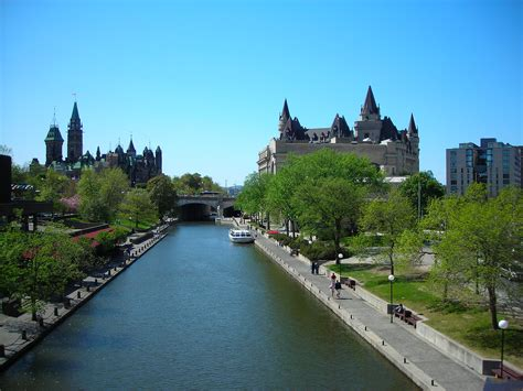 31 majestic photos of Rideau Canal in Canada | BOOMSbeat