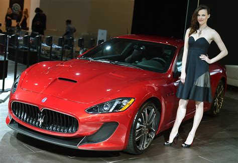 Hot Girls of the 2014 New York Auto Show [Live Photos