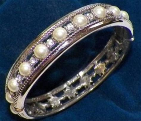 Jackie Kennedy Engagement Ring | The Enchanted Manor